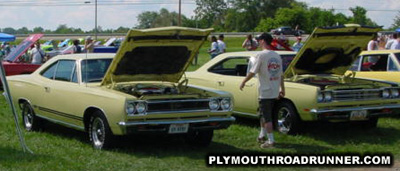 Plymouth Road Runners. Photo from 2000 Mopar Nationals – Columbus, Ohio.