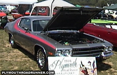 1974 Plymouth Road Runner. Photo from 2000 Mopar Nationals – Columbus, Ohio.